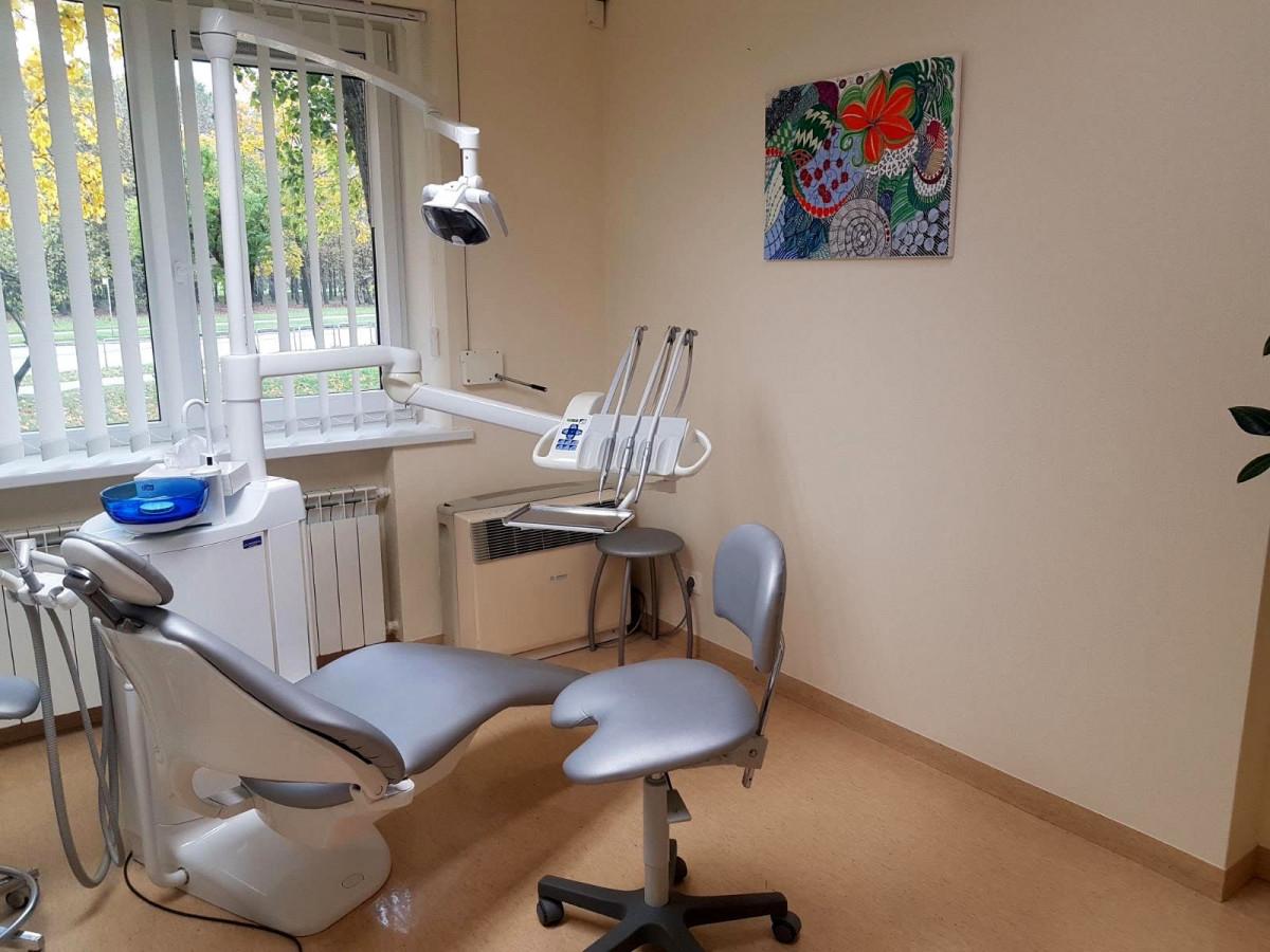 Dentaura, odontologijos klinika, UAB
