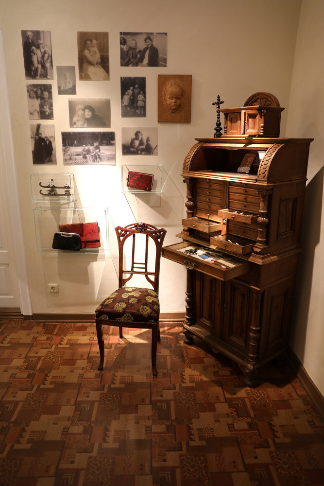 J. Zikaro namai-muziejus