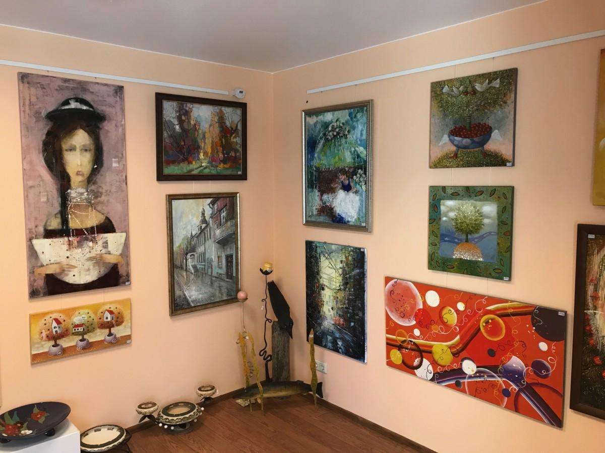 Meno dirbinių galerija