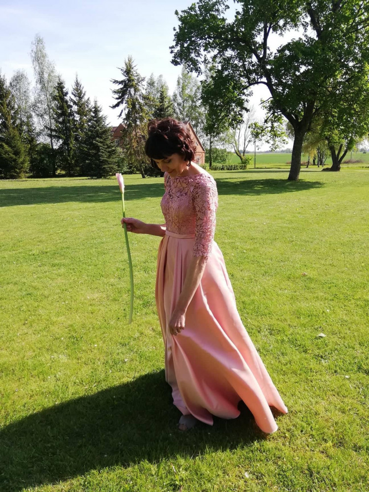 Proginių, vestuvinių suknelių nuoma