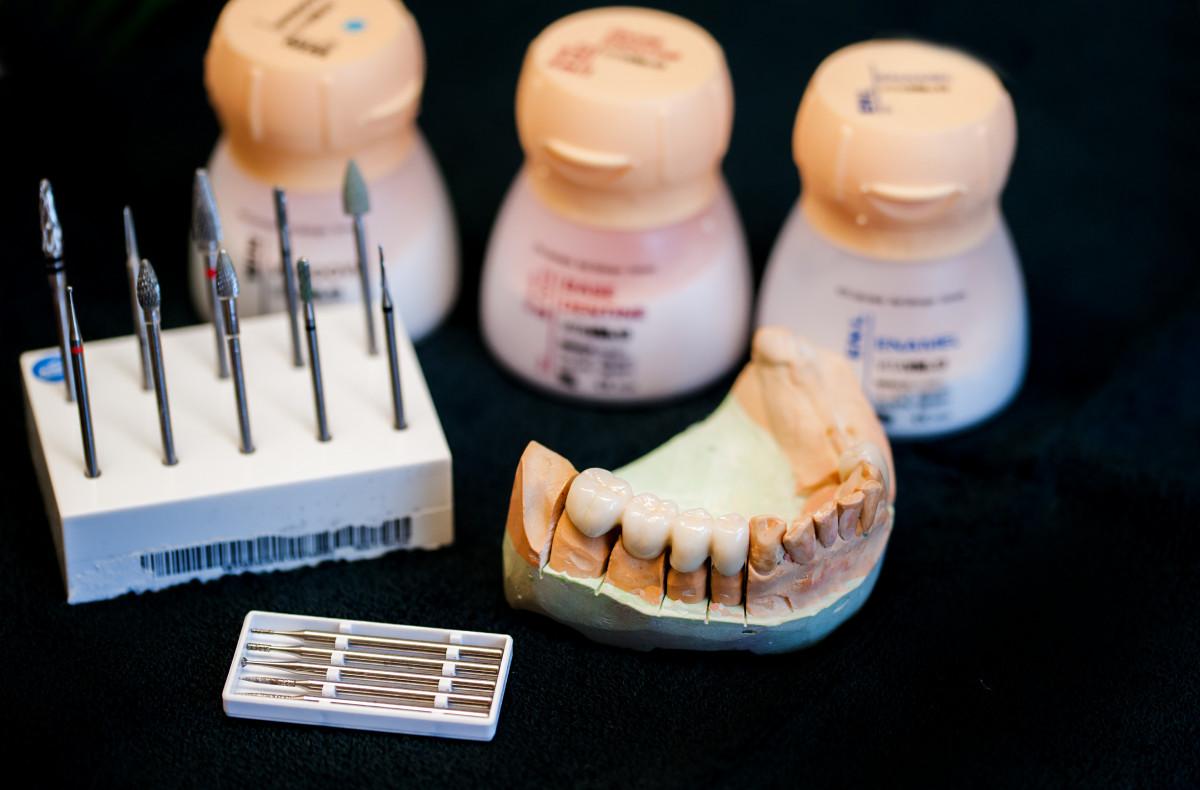 Žavesys, odontologinė klinika, UAB