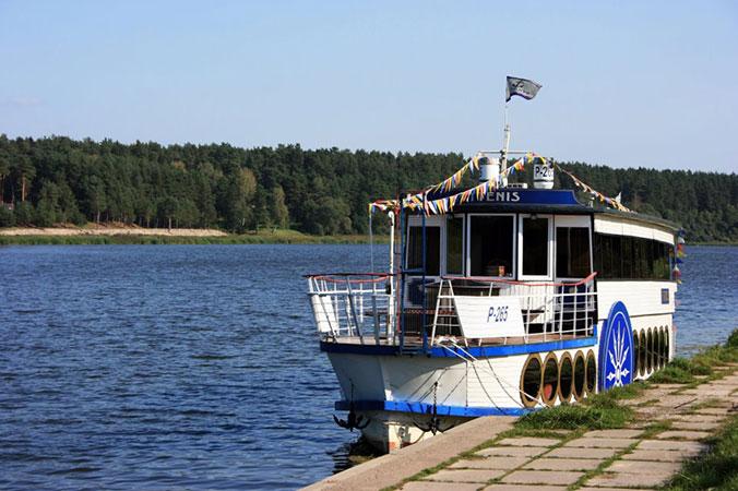 Vytenis, pramogų laivas