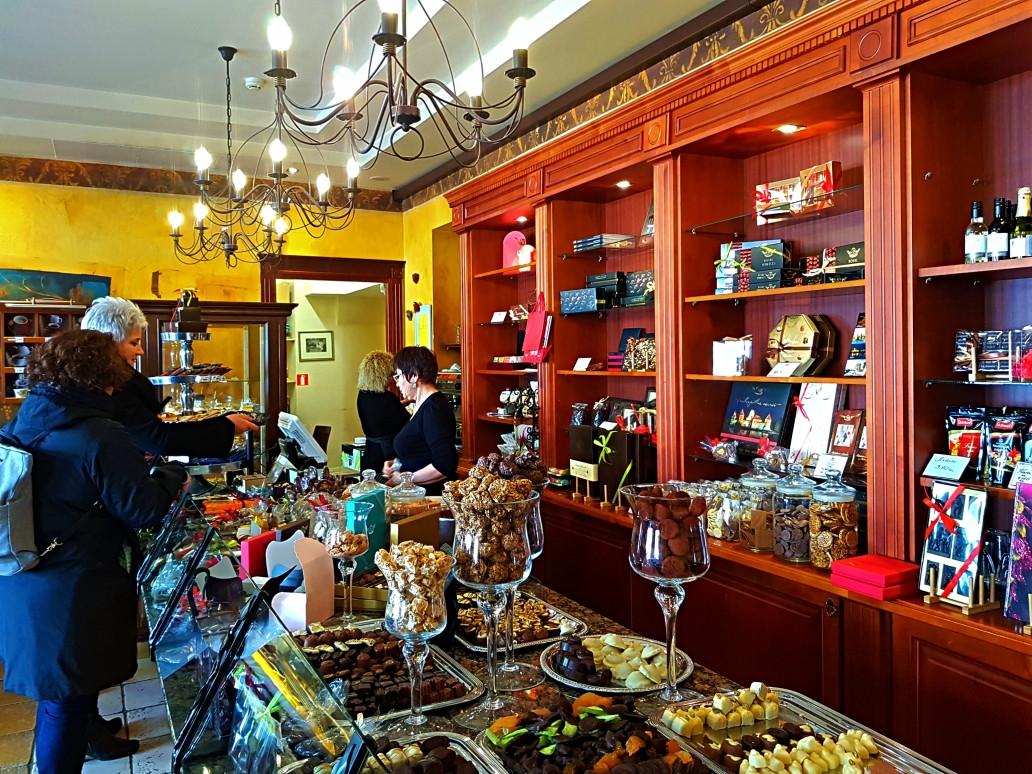 AJ šokoladas, parduotuvė, UAB