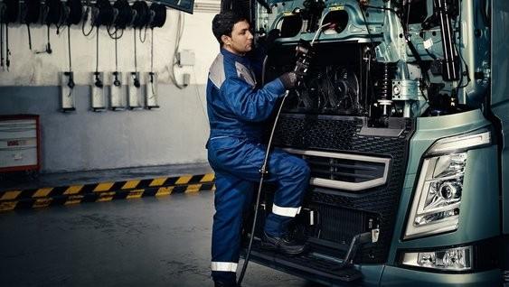 """Volvo Trucks, sunkvežimių centras, UAB """"Volvo Lietuva"""", Šiaulių padalinys"""