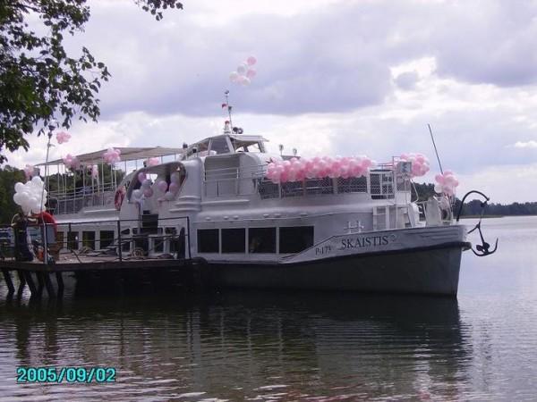 Skaistis, laivas
