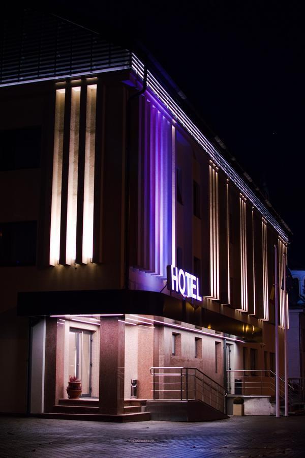 Big stone, viešbutis-restoranas, UAB