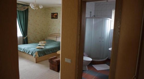 Linas, hotel