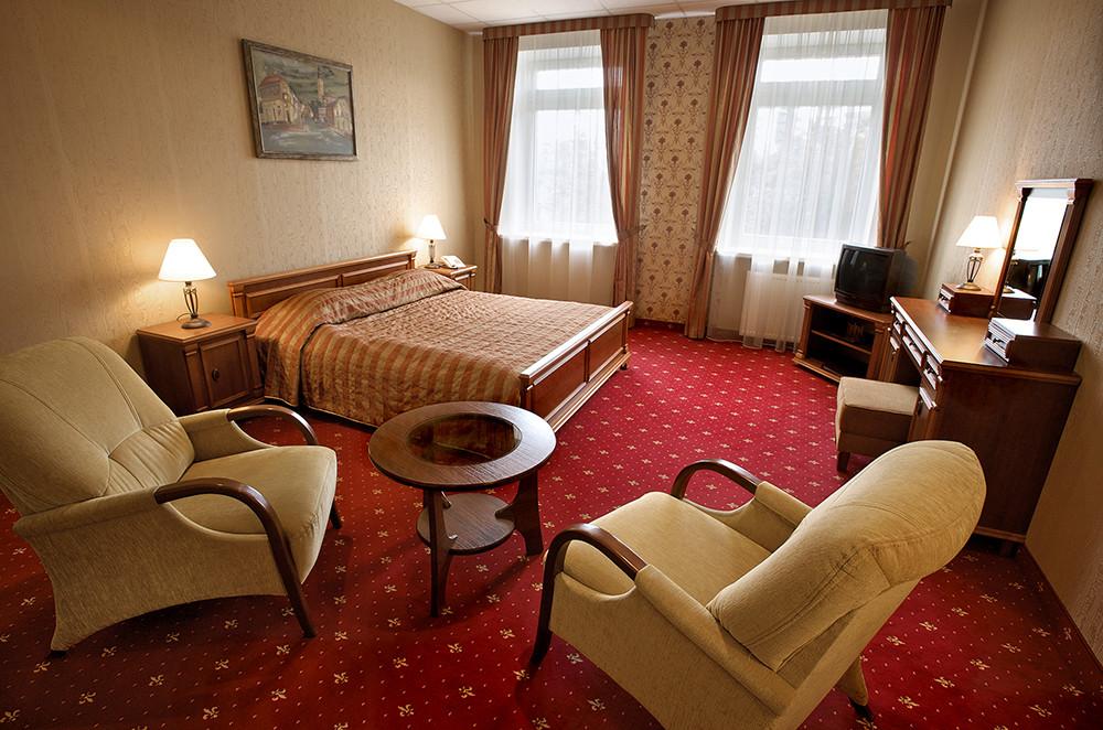 Ponas Tadas - Pan Tadeusz, viešbutis ir restoranas