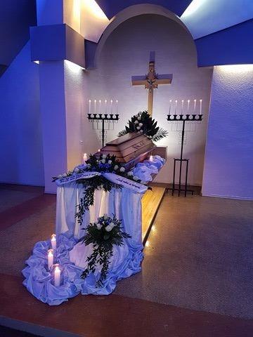 Naujai atrestauruoti Senieji laidojimo namai