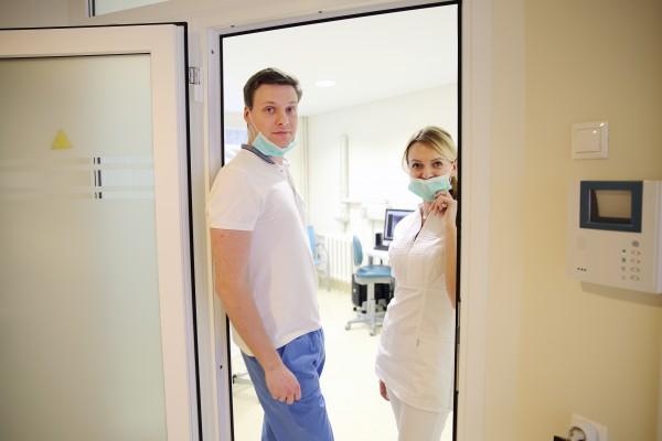 Estetica dentis, UAB