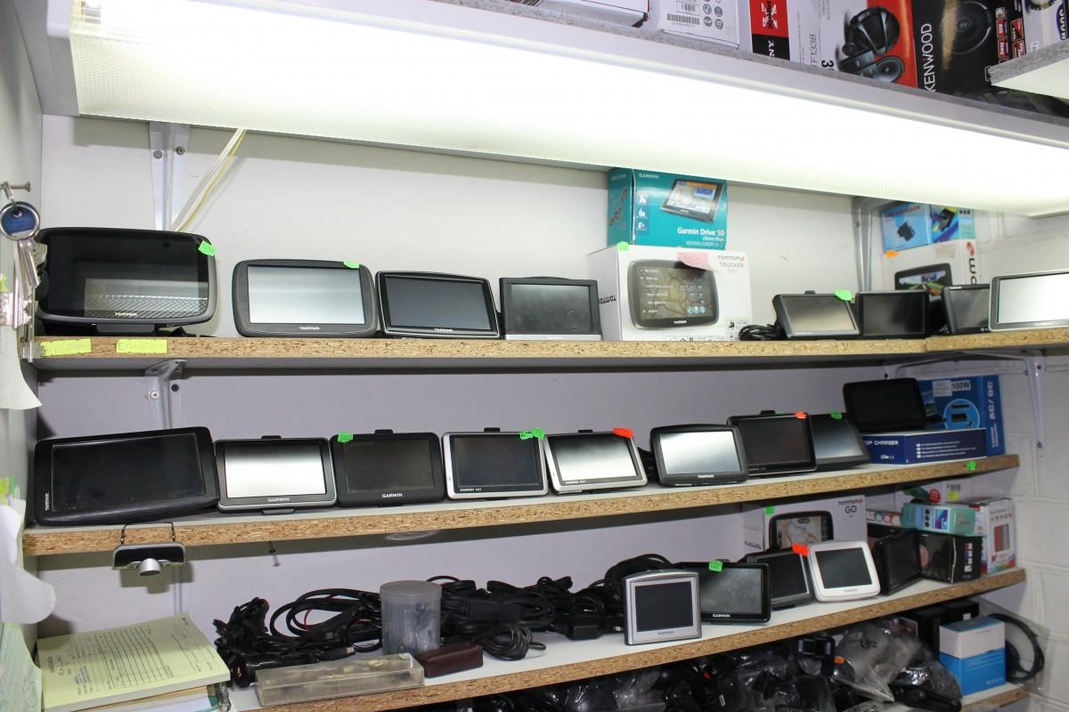 Automobilių garso, vaizdo, navigacinių sistemų servisas