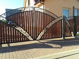 Tvoros, vartai ir jų detalės