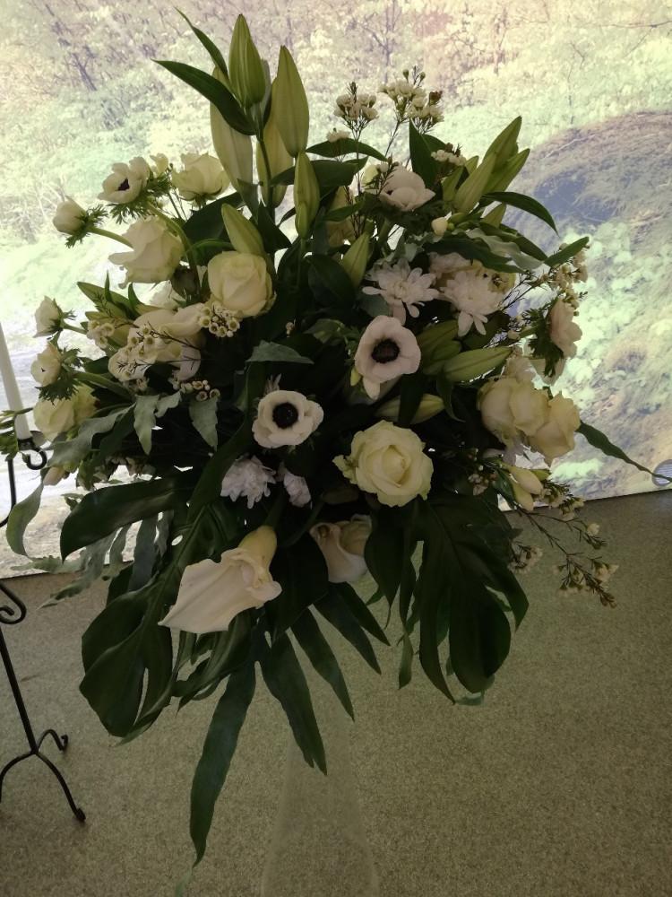 """Gėlių salonas visoms progoms, UAB """"Žemaitijos gralis"""""""