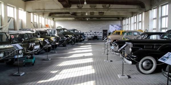 Retromobile, istorinės ir karinės technikos muziejus