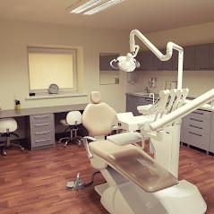 Nauji dantys, Kauno odontologijos centras