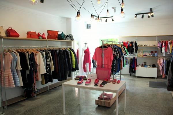 Aveniu, madingų drabužių parduotuvė