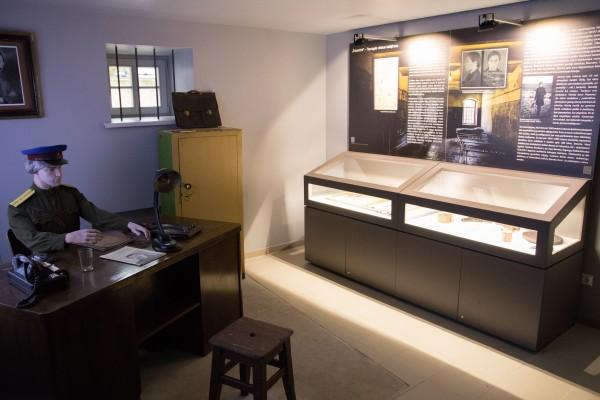 """Tauragės krašto muziejaus """"Santaka"""" tremtinių ir politinių kalinių kančių namų ekspozicija"""