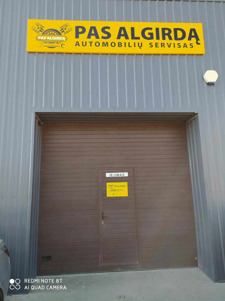 Pas Algirdą, autoservisas