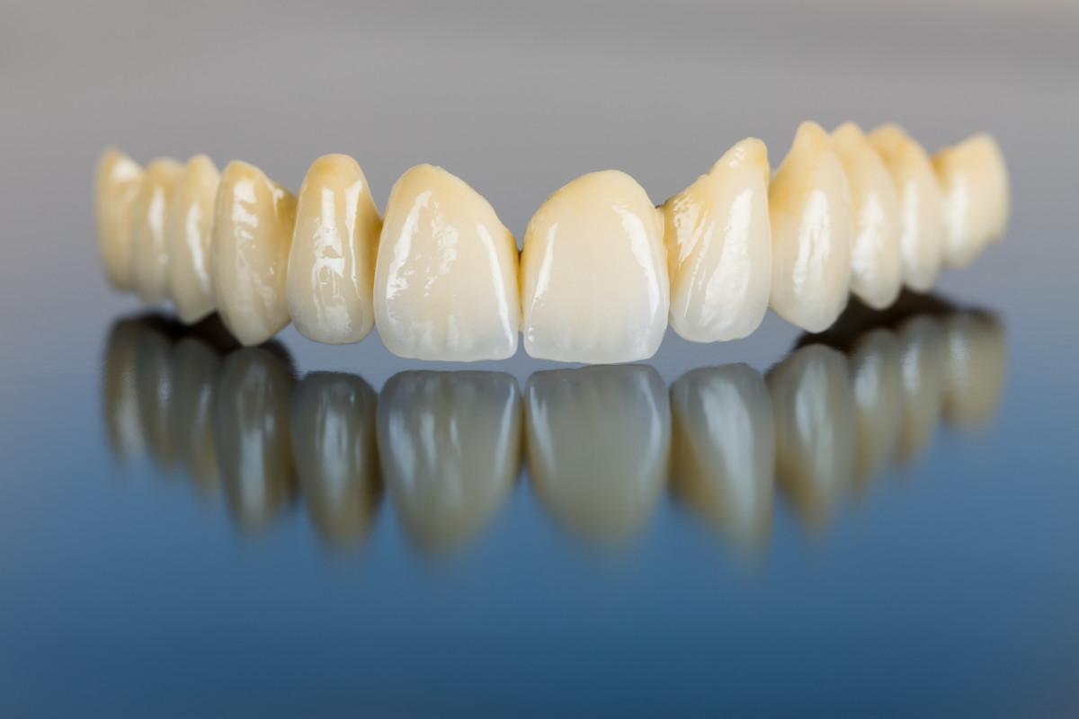 Odontologija jums, estetinė odontologija ir dantų implantavimas, UAB
