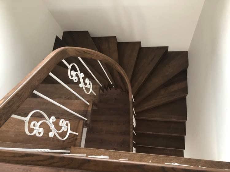 Roberto laiptai, UAB