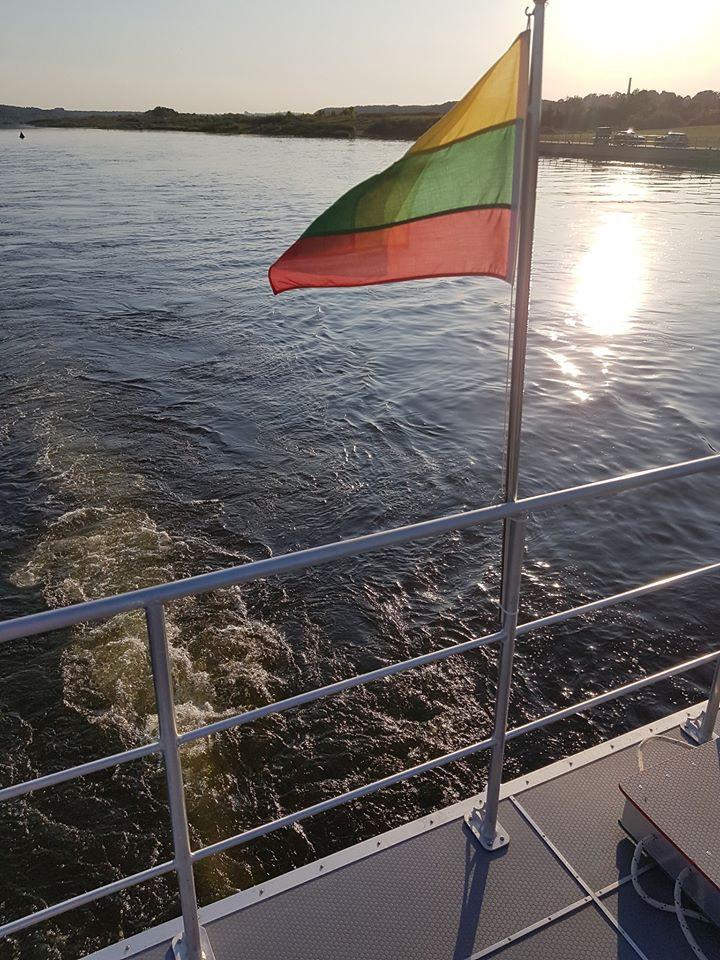 Bisena, laivas Nemune