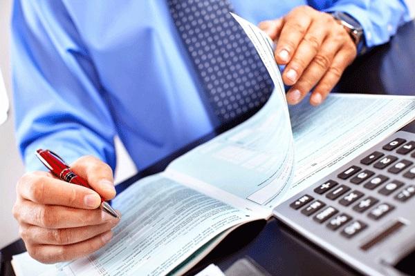 Buhalterinės ir audito paslaugos (pagal tarptautinius arba nacionalinius verslo apskaitos standartus).