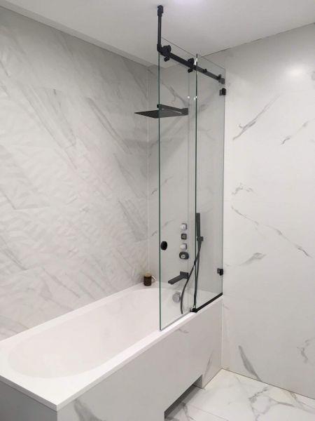 Vonios sienelės, projektavimas, gamyba ir montavimas