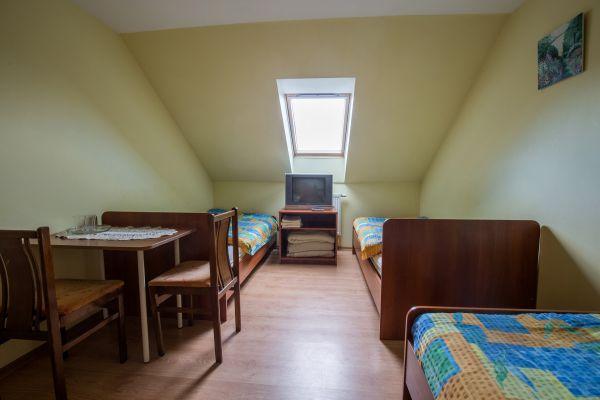 Kambariai su visais patogumais (dusas , WC, TV,Wi-Fi).
