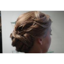 Proginės, vestuvinės šukuosenos