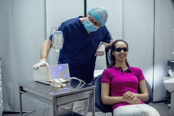 Sudetingas danties rovimas ,naudojant ultragarsinį prietaisą