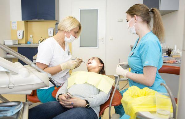 Terapinis dantų gydymas, dantų plombavimas