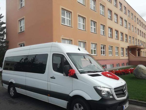 Mikroautobuso nuoma su vairuotoju 17+1