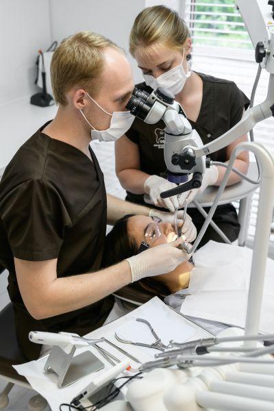 Endodontija (danties šaknies kanalų gydymas)