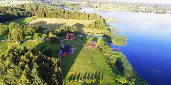 Nakvynė ir poilsis prie ežero Molėtų rajone