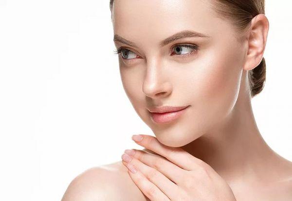 """Nechirurginis veido, kaklo arba dekoltė odos atjauninimas ir patempimas su """"Venus Legacy™"""""""