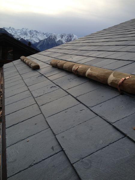 Stogo danga iš akmens skalūno-išskirtinis stogas