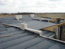 Sutapdintų - plokščių stogų dengimas
