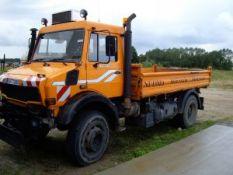 Sunkvežimis UNIMOG 2400TG