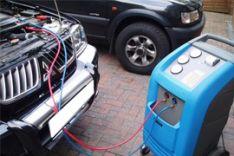 Automobilių kondicionierių pildymas