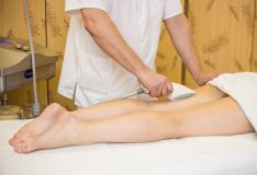 Anticeliulitinis masažas vakuminiu ir kompresinės terapijos aparatais
