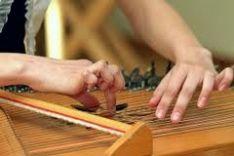 Išskirtinės giedotojų paslaugos smuiku, kanklėmis, vargonėliais
