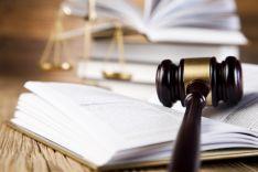 Teikiame visas advokato paslaugas. Atstovaujame teisme bei kitose institucijose.