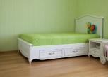 Miegamojo kambario mediniai baldai