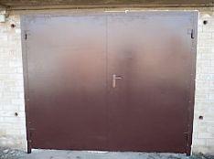 Garažo vartai.