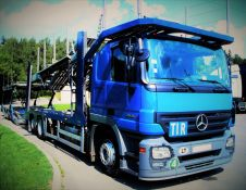 Lengvųjų automobilių pervežimas Baltijos šalyse ir Vakarų Europoje.