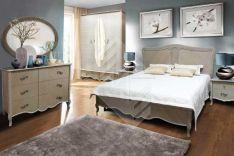 Klasikiniai miegamojo baldai Laura