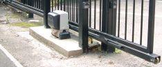 Stumdomų vartų automatika
