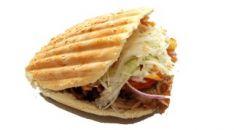 Kebabas pikantiškoje bandelėje