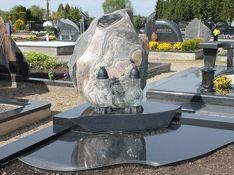 Paminklai iš kokybiško akmens