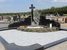 Kapo uždengimas iš įvairių granito plokščių